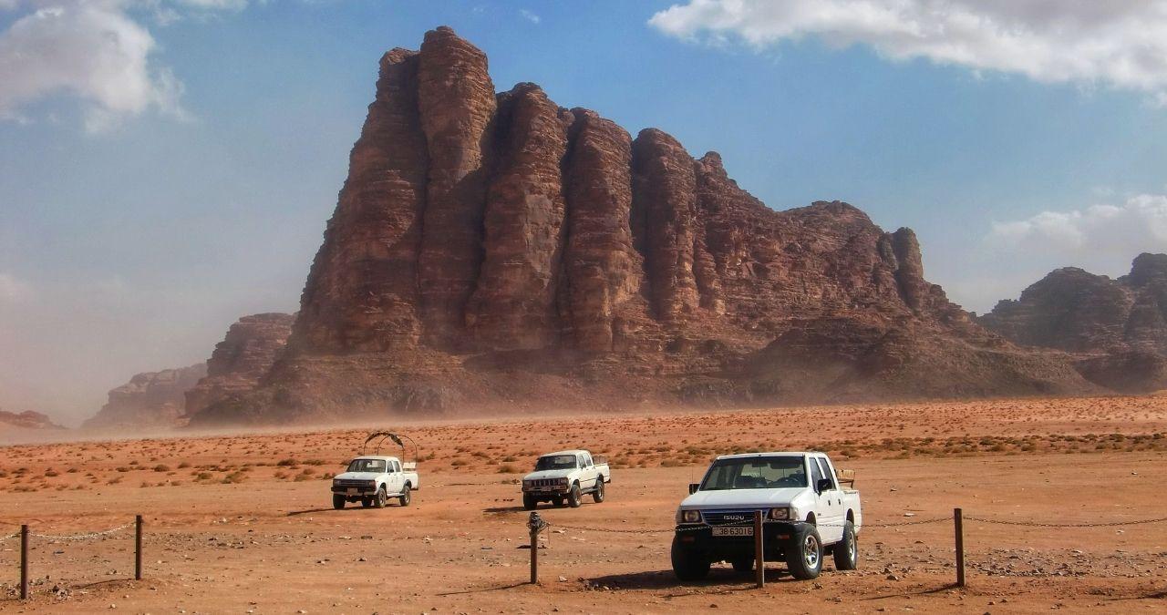 Giordania Wadi Rum deserto jeep safari